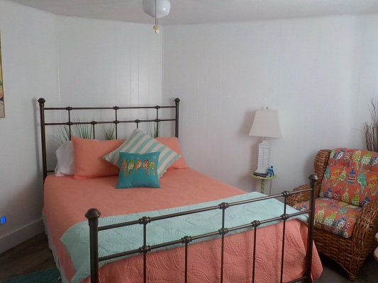Guest-Bedroom.