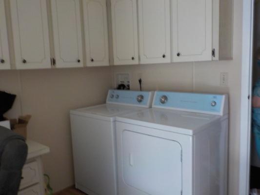 231-Laundry-Room-001